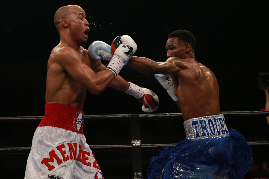 Easter vs Mendez_Fight_Nabeel Ahmad _ Premier Boxing Champions-2